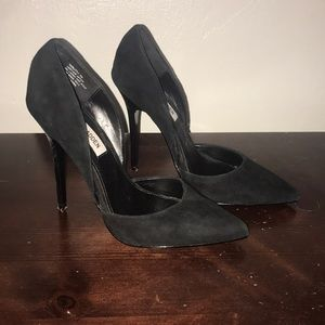 Black Suede Steve Madden Pumps